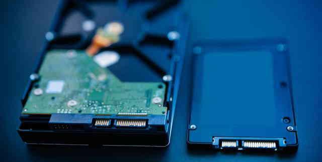 笔记本电脑最好采用双硬盘:SSD固态硬盘和HDD机械硬盘